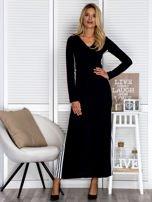Czarna sukienka maxi z kapturem i białymi pasami z boku                                  zdj.                                  6