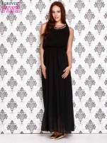 Czarna sukienka maxi z łańcuchem przy dekolcie                                                                          zdj.                                                                         2
