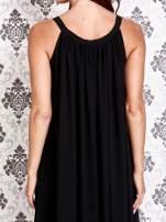 Czarna sukienka maxi z wiązaniem przy dekolcie