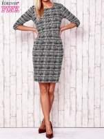 Czarna sukienka w graficzne wzory z rękawem 3/4                                  zdj.                                  2