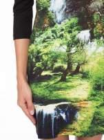 Czarna sukienka z fotograficznym nadrukiem krajobrazu                                  zdj.                                  7