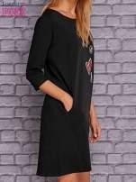 Czarna sukienka z naszywkami                                  zdj.                                  3