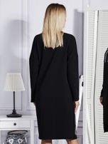 Czarna sukienka z perełkami i dżetami                                  zdj.                                  2