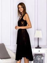 Czarna sukienka z rozkloszowanym dołem                                  zdj.                                  5
