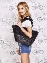 Czarna torba koszyk plażowy z ozdobnymi kwiatami                                  zdj.                                  7
