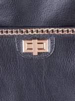 Czarna torebka kuferek ze złotym łańcuszkiem                                  zdj.                                  5