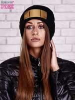 Czarna wywijana czapka ze złotą blaszką                                  zdj.                                  1