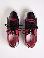 Czarne buty sportowe ze skórzanymi czerwonymi wstawkami                                   zdj.                                  2