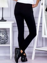 Czarne spodnie dresowe z kieszonką z przodu                                  zdj.                                  2