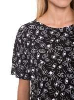 Czarny luźny krótki t-shirt z kieszonką w nadruk oczu