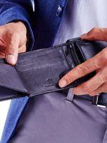 Czarny portfel dla mężczyzny z tłoczeniem                                  zdj.                                  4