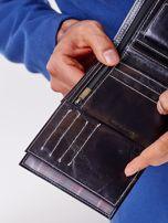 Czarny skórzany portfel męski z zapięciem na zatrzask                                  zdj.                                  4