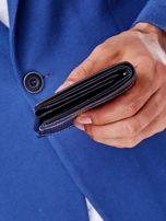 Czarny skórzany portfel z tłoczonym wzorem                                  zdj.                                  3