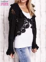Czarny sweter o szerokim splocie z wiązaniem                                  zdj.                                  3