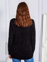 Czarny sweter z dekoltem w łódkę                                  zdj.                                  2