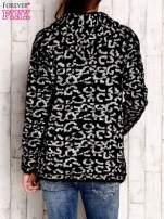 Granatowy sweter zapinany na suwak