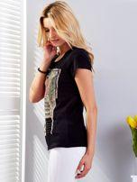 Czarny t-shirt z fotograficznym nadrukiem                                  zdj.                                  5