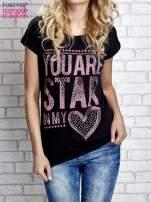 Czarny t-shirt z napisem YOU ARE STAR IN MY HEART z dżetami