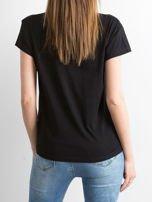 Czarny t-shirt  z napisem z koralików                                   zdj.                                  2