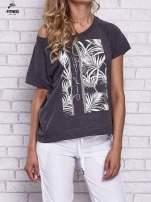 Czarny t-shirt z palmowym nadrukiem                                  zdj.                                  1