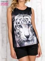 Czarny top z motywem tygrysa