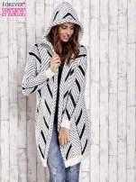 Czarny włochaty sweter z kapturem                                  zdj.                                  6