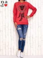 Czerwona bluza z motywem sowy i łapacza snów