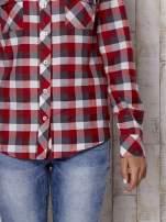 Czerwona koszula w kratę z kieszonkami