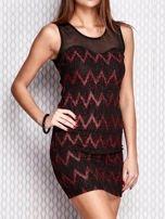 Czerwona sukienka w geometryczne wzory                                  zdj.                                  3