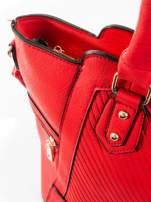 Czerwona torba ze złotymi wykończeniami                                  zdj.                                  8
