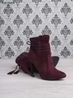 Czerwone zamszowe botki lace up na szpilce z frędzlem                                  zdj.                                  4