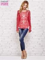 Czerwony ażurowy sweterk mgiełka z rozszerzanymi rękawami                                                                          zdj.                                                                         2