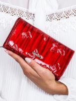 Czerwony cieniowany lakierowany portfel w motyle                                  zdj.                                  1
