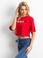 Czerwony krótki t-shirt z napisem                                  zdj.                                  2