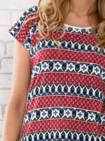 Czerwony t-shirt damski z etnicznym motywem                                  zdj.                                  5