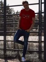 Czerwony t-shirt męski z wyścigowym napisem ROAD RACE                                  zdj.                                  6