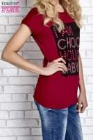 Czerwony t-shirt z napisem I AM CHOCOHOLIC BABY                                  zdj.                                  3