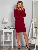Dopasowana sukienka z chokerem i wiązaniem bordowa                                  zdj.                                  4