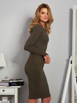 Dopasowana sukienka z dżetami przy dekolcie khaki                                  zdj.                                  5