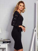 Dopasowana sukienka z rękawami lace up czarna                                  zdj.                                  3