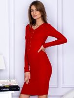 Dopasowana sukienka z wiązanym dekoltem czerwona                                  zdj.                                  3