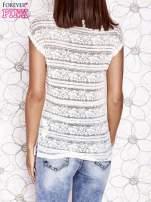 Ecru ażurowy t-shirt z koronką