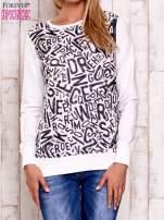 Ecru bluza z nadrukiem liter