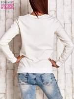 Biała bluza z napisem SMILE HAPPINESS LOOKS GORGEOUS ON YOU                                                                          zdj.                                                                         4