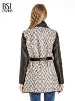 Ecru-czarny wzorzysty wełniany płaszcz ze skórzanymi rękawami                                                                          zdj.                                                                         4