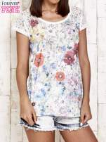 Ecru kwiatowy t-shirt z koronką przy rękawach                                  zdj.                                  1