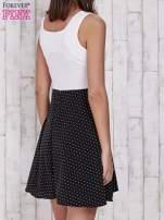 Ecru sukienka retro w groszki z wycięciem przy dekolcie                                                                           zdj.                                                                         4