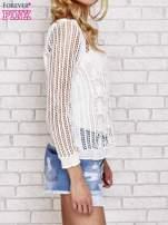 Ecru szydełkowy sweterek
