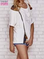 Ecru t-shirt oversize ze złotymi zipami                                  zdj.                                  3