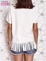 Ecru t-shirt z nadrukiem i frędzlami                                                                          zdj.                                                                         4